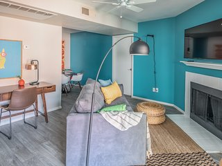 Luxe 2BR near ASU with Pool #221 by WanderJaunt