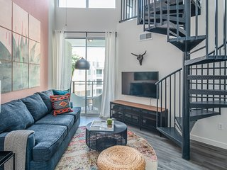 Luxury Loft Apt in Tempe #4056 by WanderJaunt