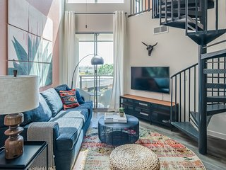 Luxury Loft Apt in Tempe #4074 by WanderJaunt