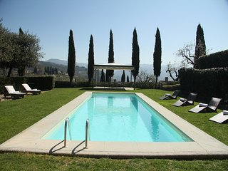 Villa Donati - Wonderful manor house with garden and pool