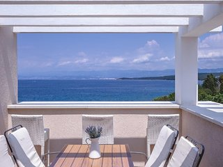 One-Bedroom Apartment with Sea View #4 Villa Luce