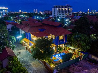 Four Beds Pool Villa Vacation Home Resort * Central of Hua Hin City