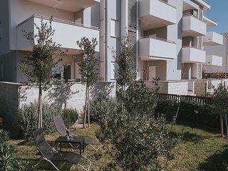 Two bedroom apartment Novalja (Pag) (A-17144-a)