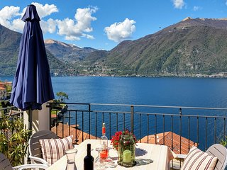 Casa Rosmarino - spacious, recently renovated house with amazing view on lake
