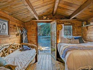 Pioneer Cabin Between Beaches Alaska