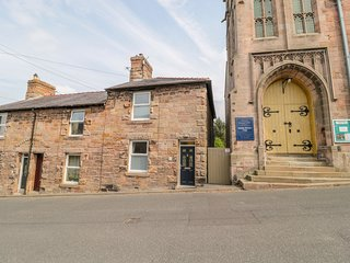 19 CHEVIOT STREET, country views, woodburner, pet-friendly, Wooler