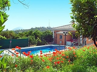 3 bedroom Villa with Pool and WiFi - 5049880
