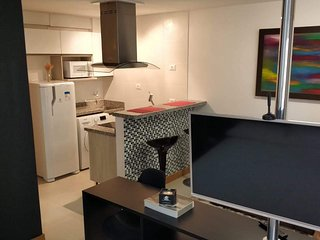 Beautiful central studio with wifi, air conditioning hot/cold and self check-in!