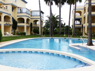 Ground floor apartment for 5 people in urb. Royal Playa