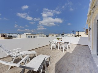 MAGICAL ROOFTOP PENTHOUSE, BEST LOCATION IN SLIEMA!