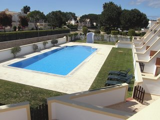Lovely  2 bedroomTownhouse located 2 minutes walk to the beach quiet location