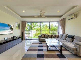 4 bdr villa with cinema in Laguna, 800 m to beach