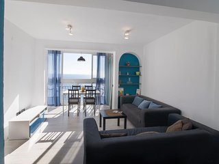 Lovely Apartment on the Beach, sleeps 7 . Modern and fresh