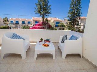 2 Bedroom 1st floor Apartment in Sirena Bay