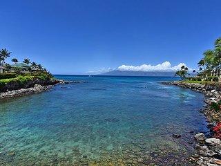 On the edge of Honokeana Cove! Condo #218, 2 bdr + loft bdr, 2 ba.
