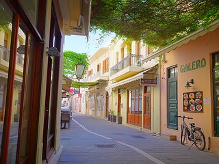 Terraced House in Rethymno's Old Town, in the Historic Heart of Crete