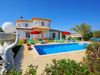 3 bedroom Villa with Pool and WiFi - 5790882