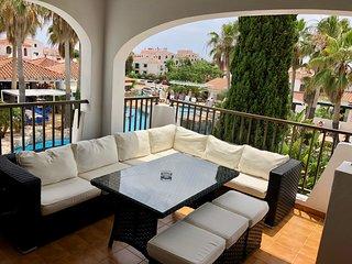 3 Bedroom, 1sr Floor Apartment, Overlooking Pool