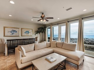 White Sands 17 (447) 4 bedroom/3 bathroom Gulf Front Townhouse