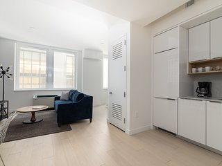 Sonder | Stock Exchange | Warm Studio + Kitchen