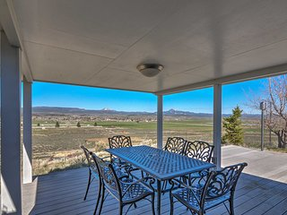House w/ Mtn Views - By Bryce Canyon Ntl Park!