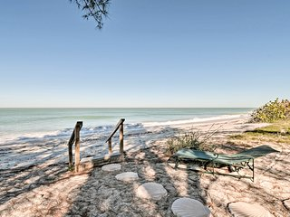 NEW-Casey Key Apt w/Patio & BBQ - 1 Block to Beach