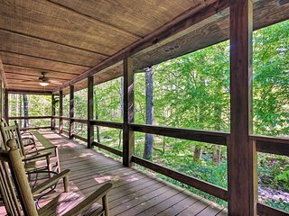 Creekside Marietta Cabin Retreat w/ Fire Pit!