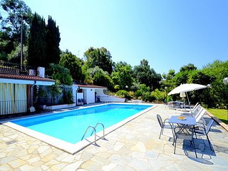 Eredita Villa Sleeps 6 with Pool Air Con and WiFi - 5229512