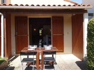1 bedroom Villa with Walk to Beach & Shops - 5718025