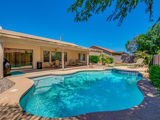 Queen Creek Pool Home! Super Neighborhood close to Marketplace! 30 Night Minimum