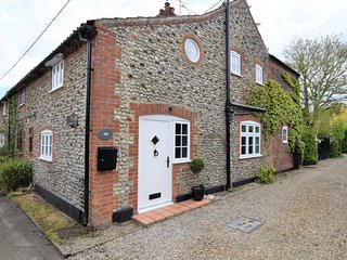 75055 Cottage situated in Holt