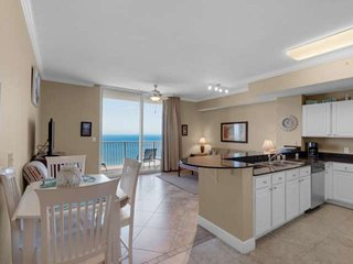 Beautiful gulf front unit less than 1 Mile to Pier Park, Free Activity Pass, Bun