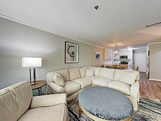 Chic Fiddler's Cove Condo: 2 Pools, Hot Tub & Tennis - 300 Yards to Beach