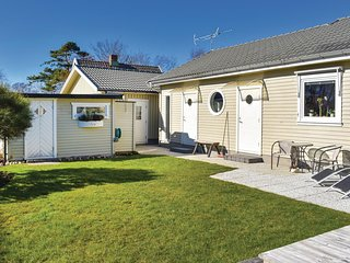 Awesome home in Vilshärad w/ Internet and 3 Bedrooms