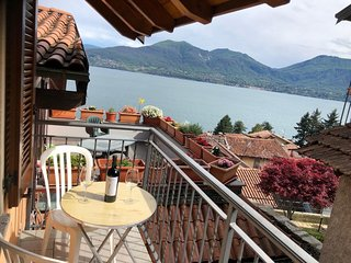 Petra apartment with lake view in Oggebbio Gonte