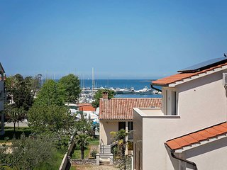 3 bedroom Villa with Air Con, WiFi and Walk to Beach & Shops - 5717479
