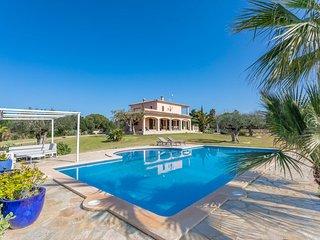 Preciosa villa para 7 personas cerca de la costa con piscina.