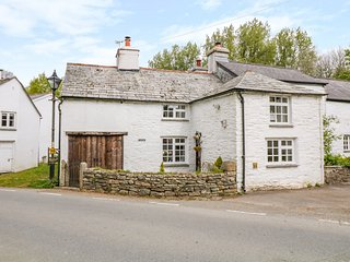 PRIMROSE COTTAGE, WiFi, Woodburner, Open-plan living, Altarnun
