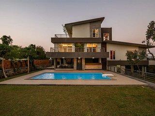 Gorai Beach - Ocean Front - Private Pool Villa - 3.5 bed