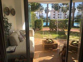 MI CAPRICHO Beach Front  -1ª linea Bajo Jardín y Terraza; Mijas Costa