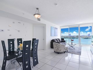 2BR Spacious Condo with Marina View