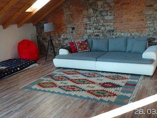 AltaVista, Casa vacanza 7 guests+baby, 2,5 km/Lago Maggiore, lake view, 3 baths!