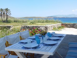 Beachfront-Sandy Beach-Peaceful-Traditional-Family friendly-Close to Naoussa