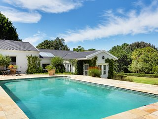 Beautiful 5 bedroom Constantia house