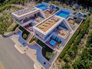 Soul Sister Stella - Exceptional Design Villas