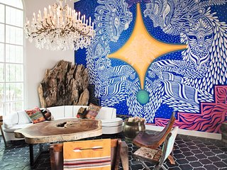 Historic Casa Cartel - Austin Luxury
