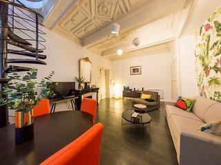 RétroMirabeau : Le Jacobin Appartement duplex avec patio (Maison de Famille)