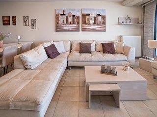 The 'Corinthian Gulf' beachfront lux apartment