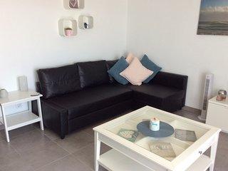 Stunning new apartment, beautiful location, FREE WIFI, AIR CON, UK TV