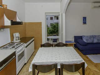 Biograd na Moru Apartment Sleeps 4 with Air Con - 5811546